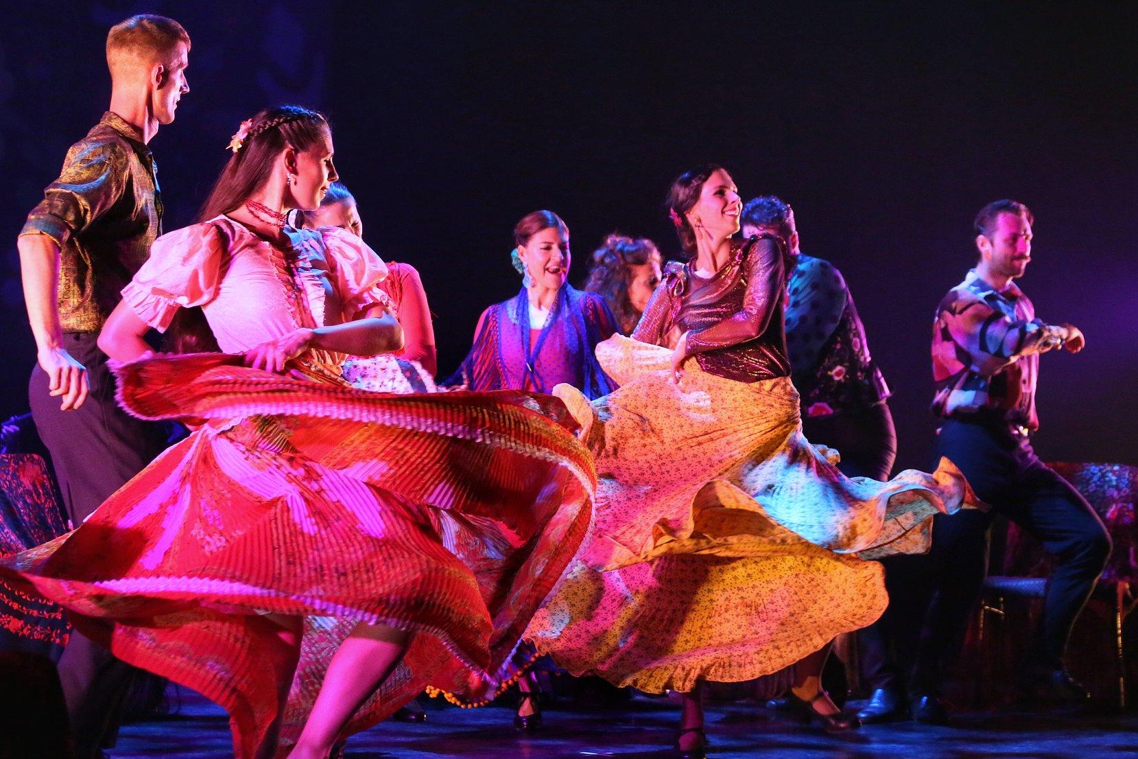 Pirók Zsófia flamenco táncművész Folkamenco című táncszínházi előadása Horányi Csaba és Horányi-Pirók Panka közreműködésével