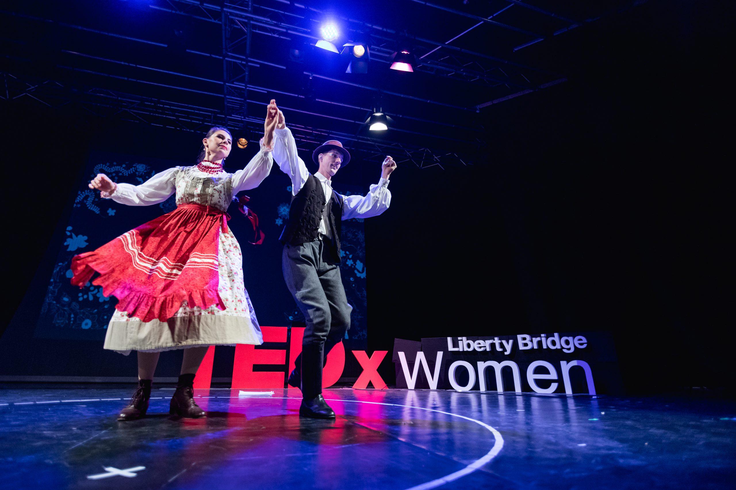 Horányi Csaba és Horányi-Pirók Panka fellépése a TEDx LibertyBridgeWomen 2019-es konferenciáján – Intenzív Néptánc